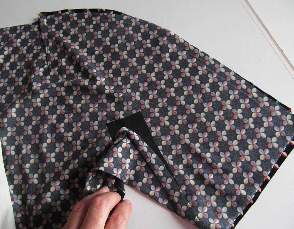 Платье 9-99 сцельнокроеным рукавом