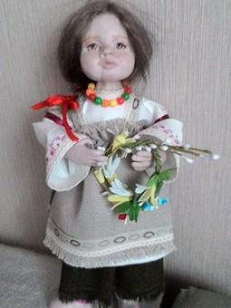 Работа с названием Кукла в национальном костюме