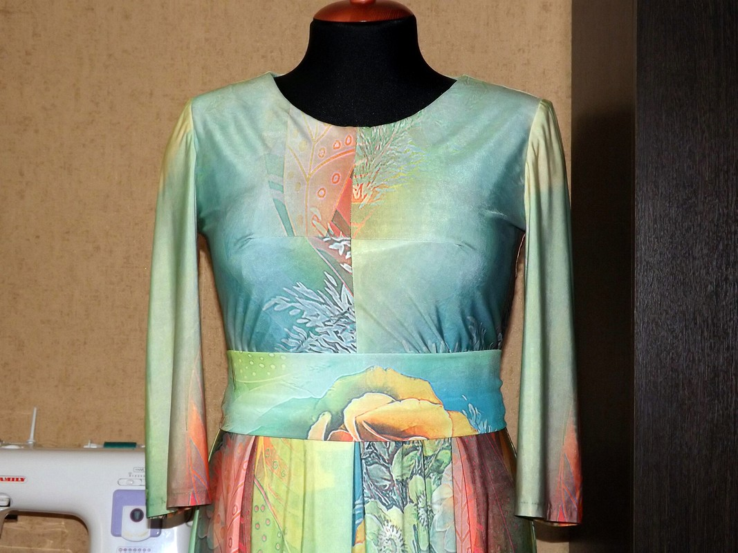 Платье 3D или куда втаком ходить??? от tatiana1979