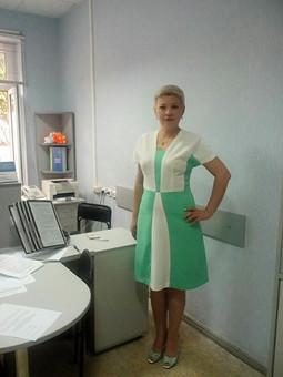 Работа с названием Мой вариант платья