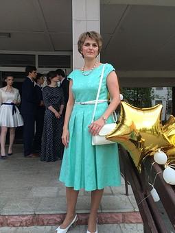 Работа с названием Платье на выпускной сына
