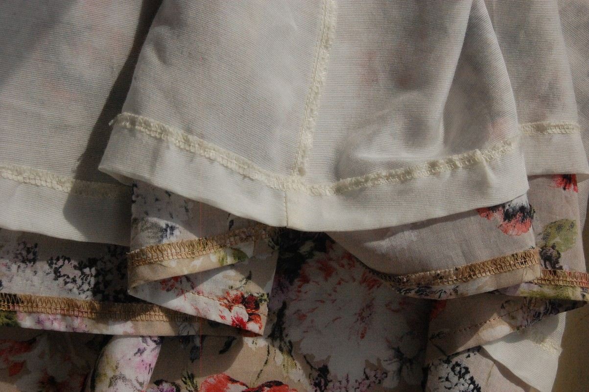 Платье своланом