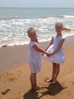 Работа с названием Дети Море Лето