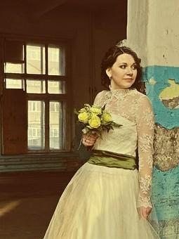 Работа с названием Мое свадебное платье