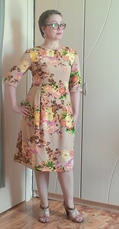 Платье сзавышенной талией от cholga