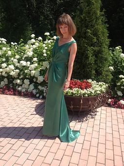 Работа с названием Мое первое платье в пол