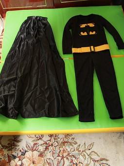 Работа с названием Бэтмен