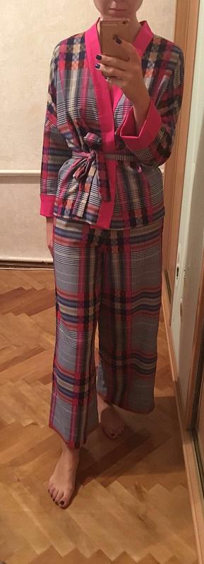 Пижамный костюм иеще много чего:)