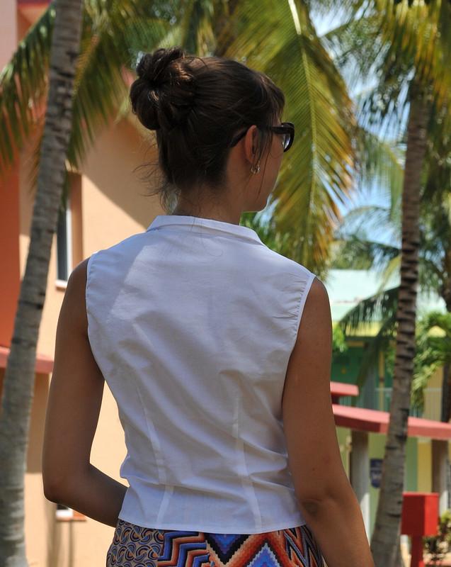 Белый блузка-топ от kinderssurprizom