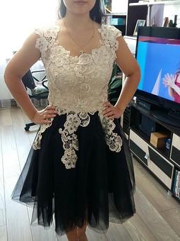 Работа с названием Платье с фатином и кружевом