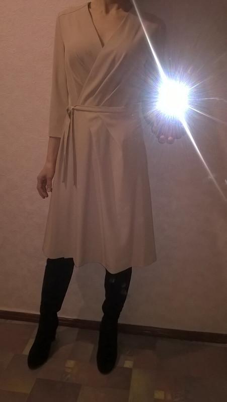 Платье сзапахом