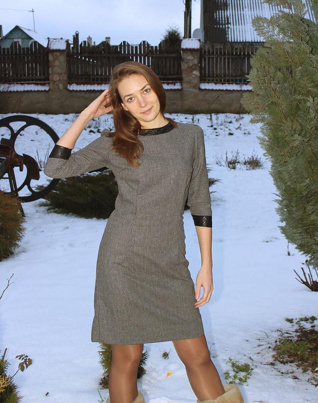 Маленькое строгое платье
