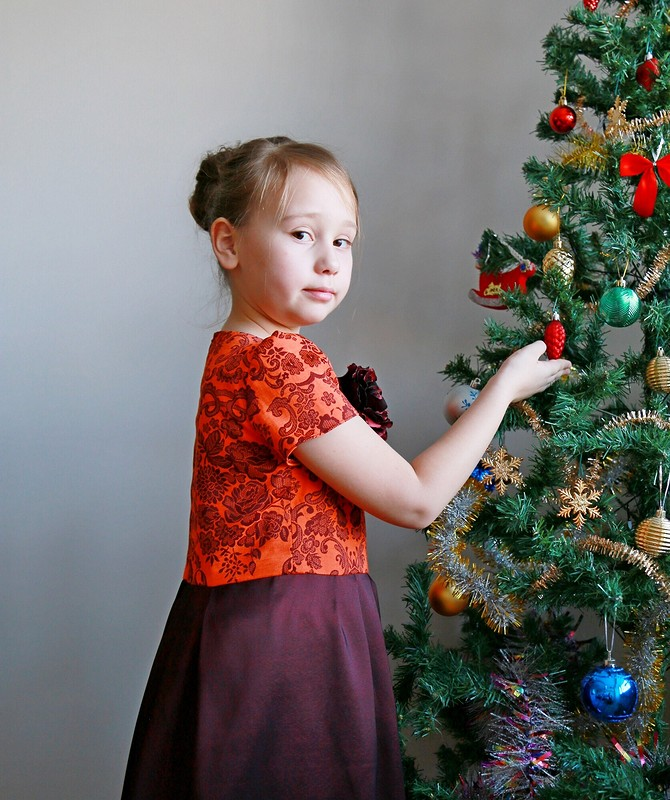 Три метра натри платья длятрех дам))