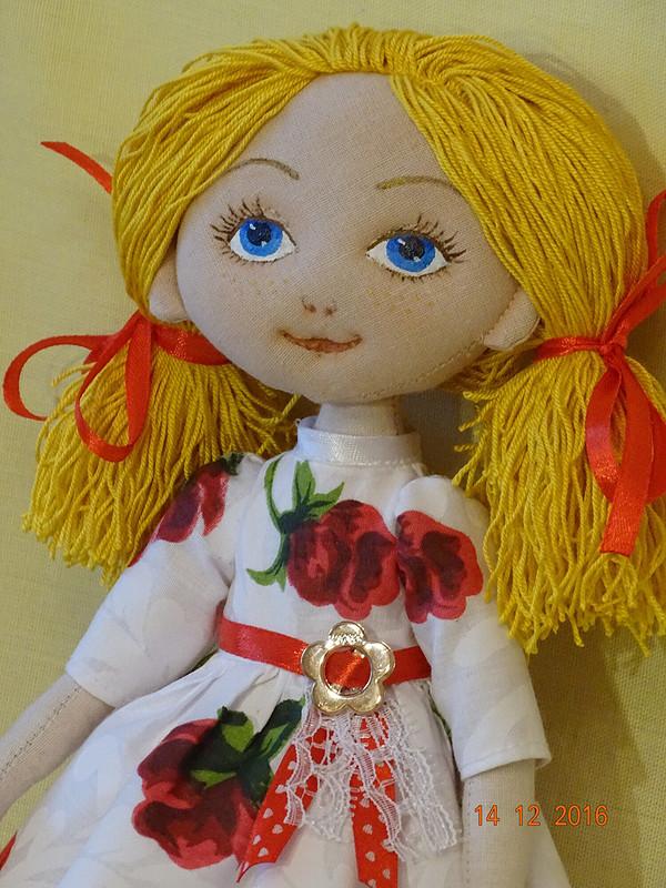Куколки-блондинки идругие игрушки)