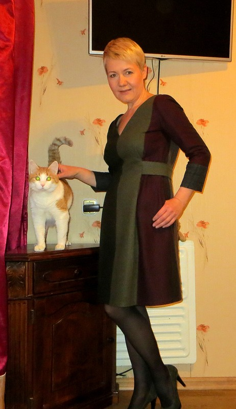 Платье изшерсти