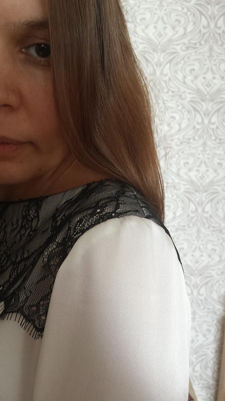 Шелковая блуза скружевом
