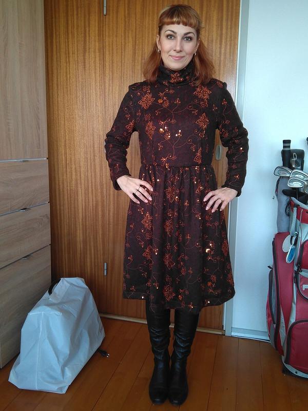 Платье извязаного полотна