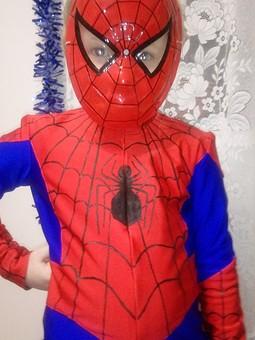 Работа с названием Человек паук