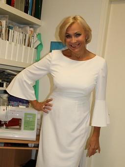 Работа с названием С Днем Учителя! Маленькое белое платье