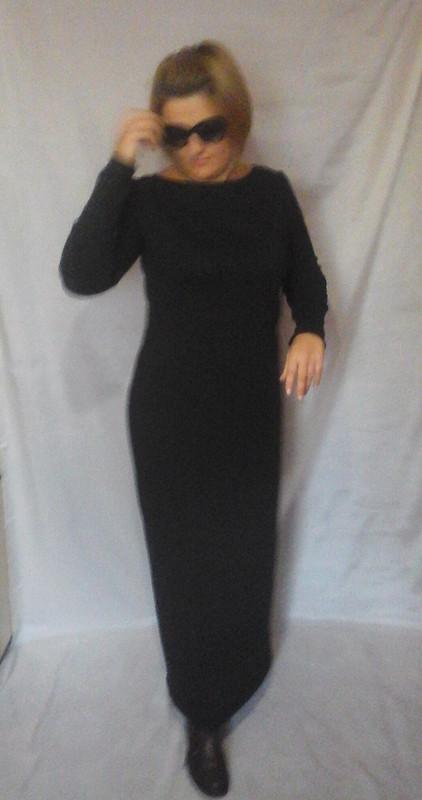 Длинное платье изтрикотажа