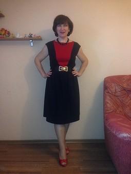 Работа с названием Черно-красный комплект. Платье