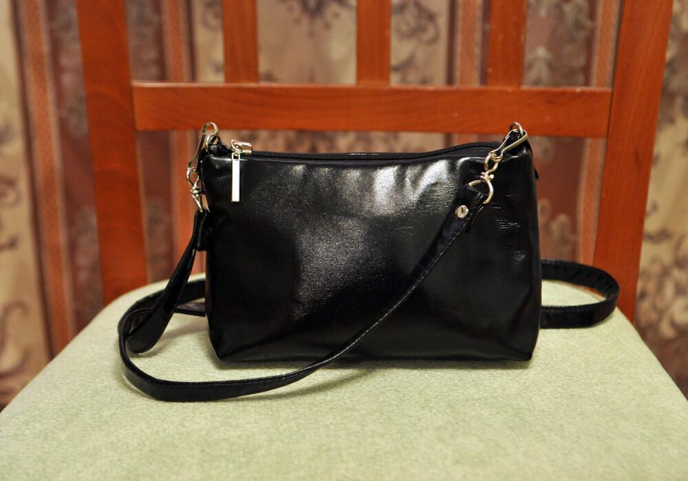 Лакированная косметичка-сумка