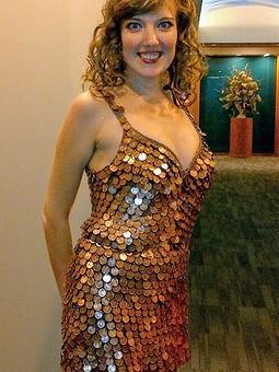 Работа с названием Платье из центов