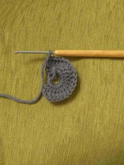 Бактус: вяжем треугольный шарф
