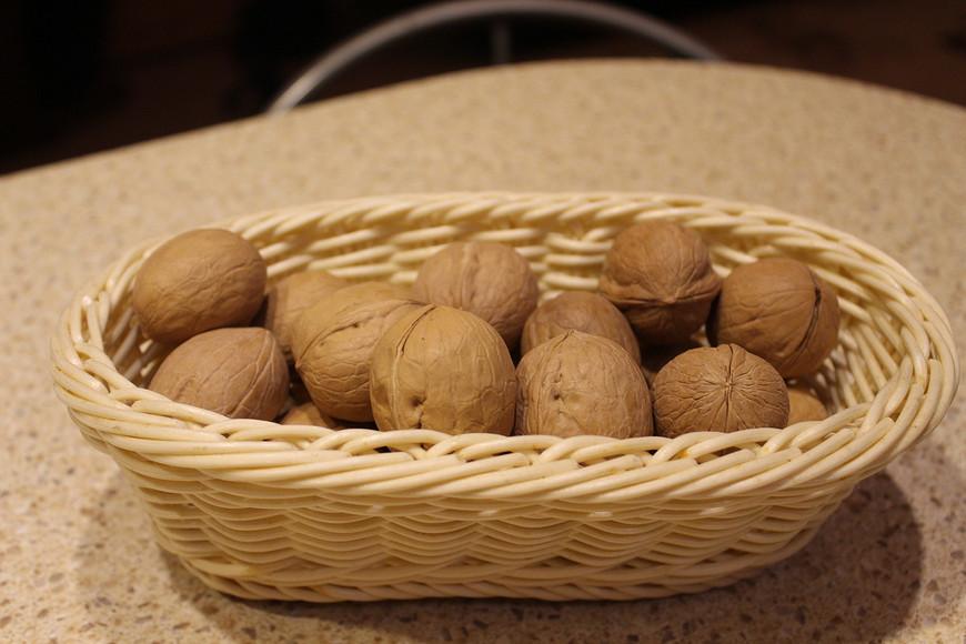 Новогодние орешки спредсказаниями