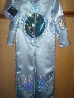Работа с названием Новогодний костюм