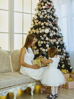 Работа с названием Шьем новогоднее платье