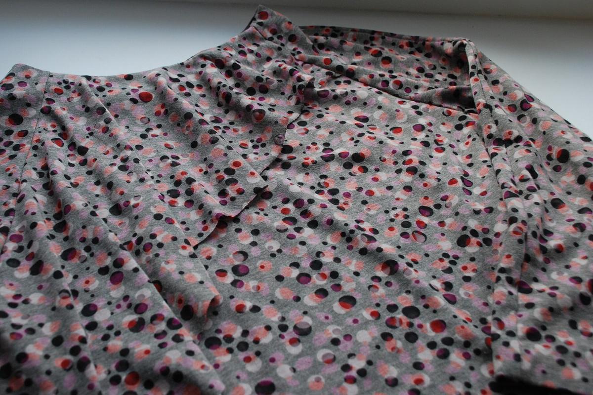 Блуза своланом