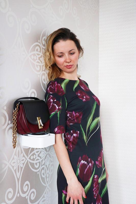 Тюльпаны наплатье или скоро весна