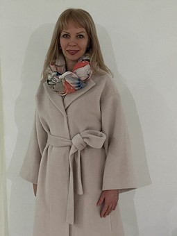 Работа с названием Весеннее пальто