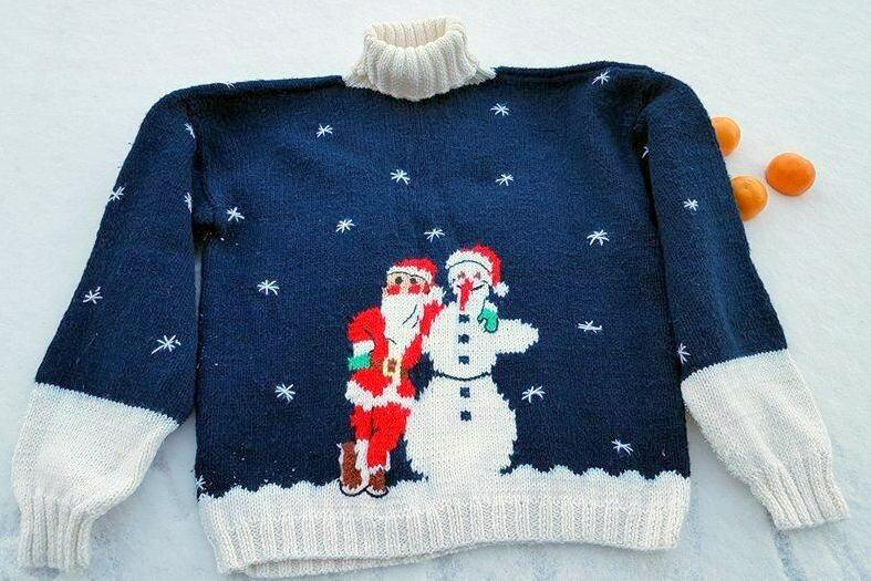Новогодний наследственный свитер сДедом Морозом