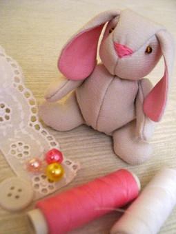 Работа с названием Крошка кролик