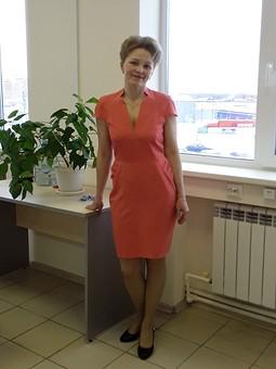 Работа с названием Фигурное платье