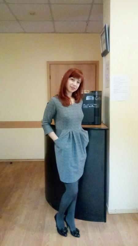 Платье c большими кармашками