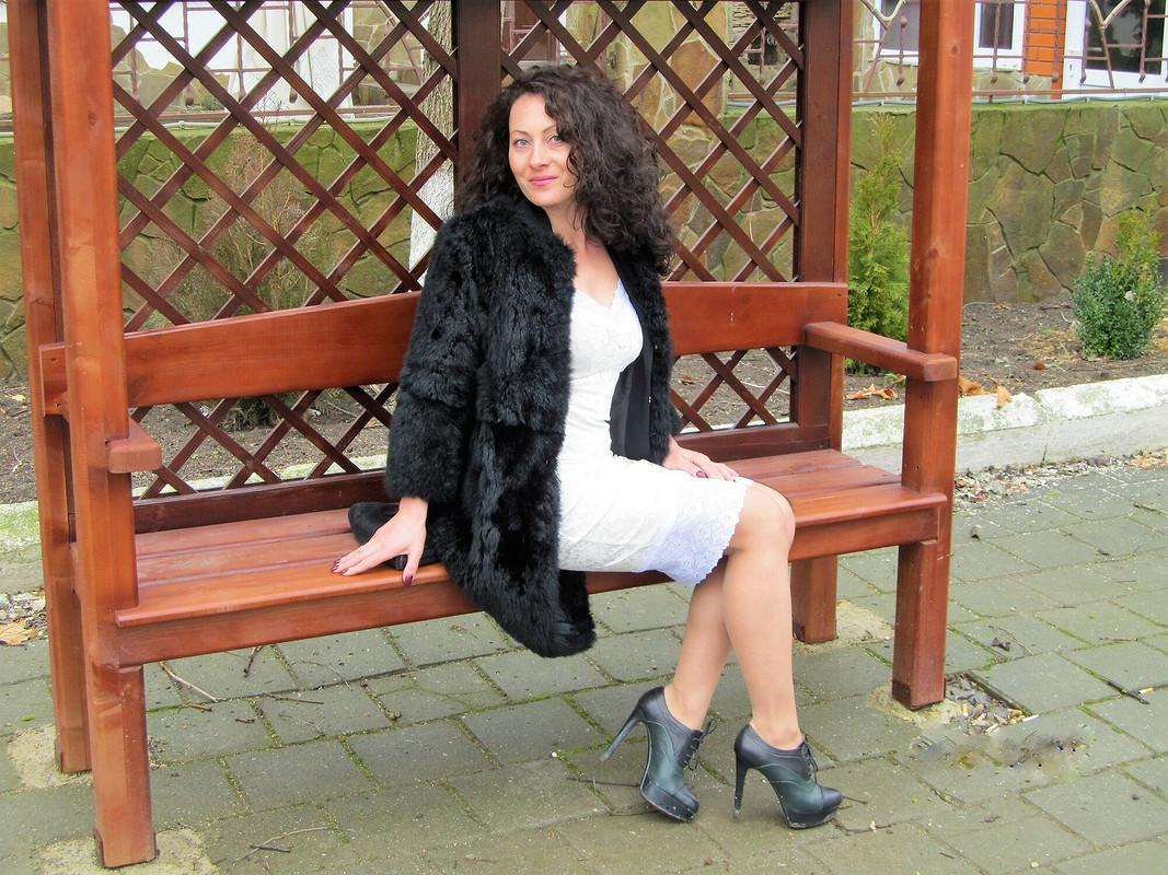 Платье избархата вбельевом стиле