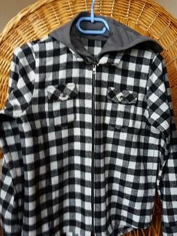 Работа с названием Рубашка на молнии