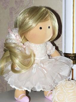Работа с названием Кукла