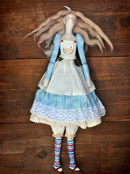 Работа с названием Алиса. Кукла в стиле Тильда