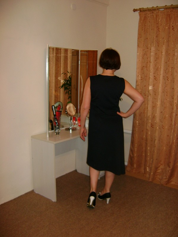 Ассимметричное платье от anyesa