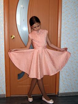 Работа с названием Платье на выпускной в 4 классе