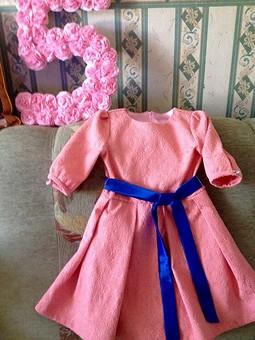 Работа с названием Платье на пять....))