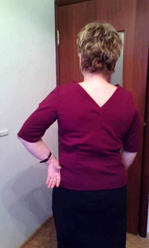 Вишневая блузка