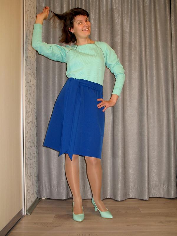 Электрически синяя юбка