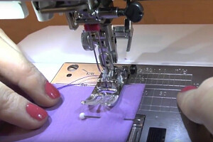 Как шить двойной иглой (видео)