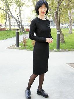 Работа с названием Платье с рукавами реглан