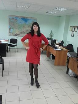 Работа с названием Надевай красное, когда не знаешь, что надеть))